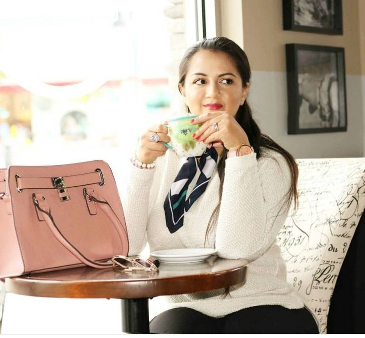 casual coffee date outfit #nationalcoffeeday #fallfashion