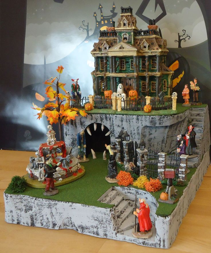 Haunted House Made Cupcakes