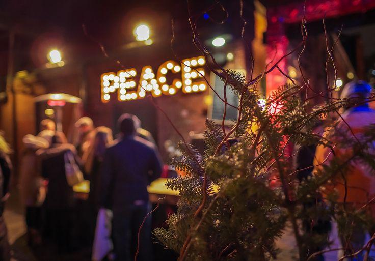 See moreEach #Christmas time, Toronto's Distillery District hosts a festive Christmas Market. #Distillery_District #Toronto ##Beautiful #Festive