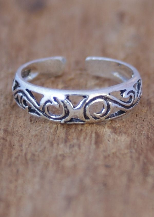 Karma East - Silver Swirly Toe Ring