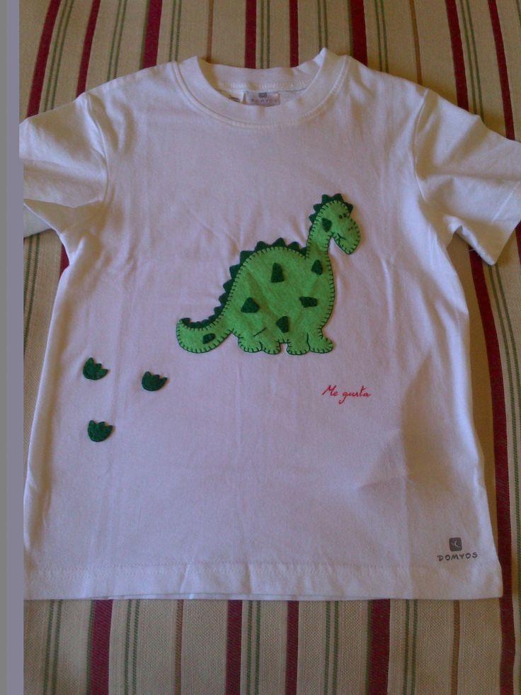"""Camisetas decoradas """"MEGUSTA"""" Facebook"""