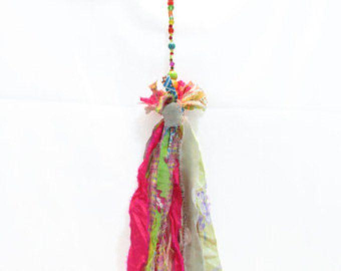 porte-clé belle boho porte-clé fait main tissu tasel, décoration de perles. Décoration murale