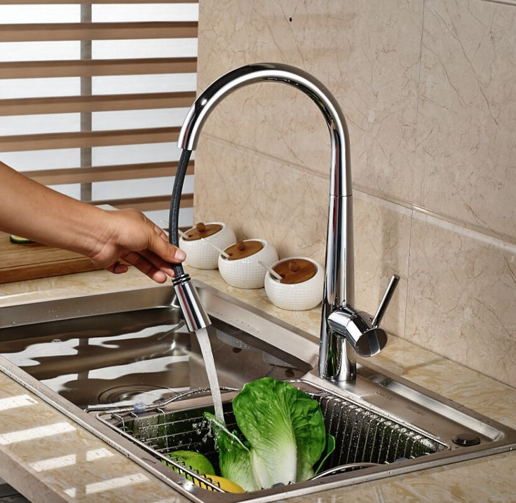 Polished Chrome Pull Out Kitchen Faucet Taps Deck Mount Single Lever Hot and Cold Water Taps Deck Mount