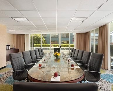 Hampton Inn & Suites Vancouver-Downtown Hotel, British Columbia, Canada - False Creek Boardroom