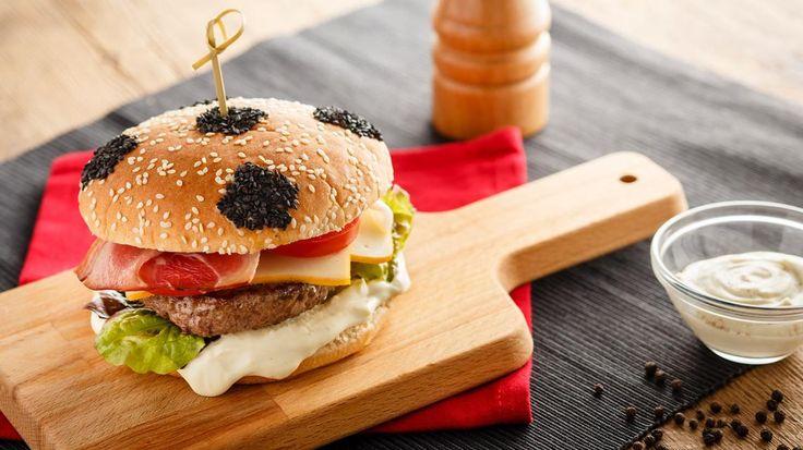 Hamburger met twee Maredsous kazen   VTM Koken
