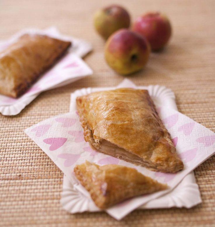 Pommé rennais - comme un chausson aux pommes, la recette d'Ôdélices : retrouvez les ingrédients, la préparation, des recettes similaires et des photos qui donnent envie !
