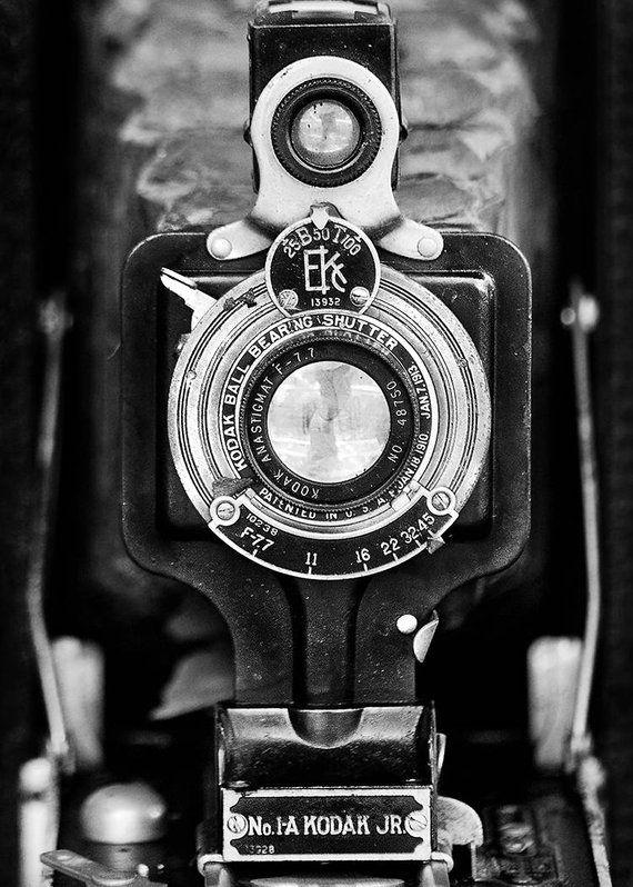 Retro Vintage Old Camera Wall Art Print Rustic Home Decor Etsy In 2020 Vintage Cameras Retro Camera Old Camera