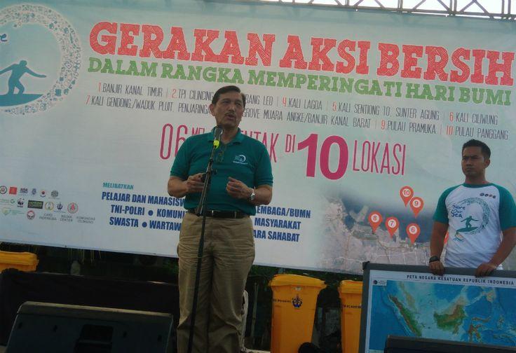 Bersih-bersih Kawasan Cilincing, Luhut Selipkan Pesan Persatuan