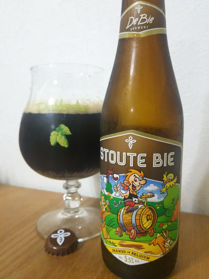 Stoute Bie Stoute Bie Alc.55%Vol. e33cl Brouwerij de bie Vijvestraat 47 B-8720 Wakken (Dentergem) www.brijdebie.be