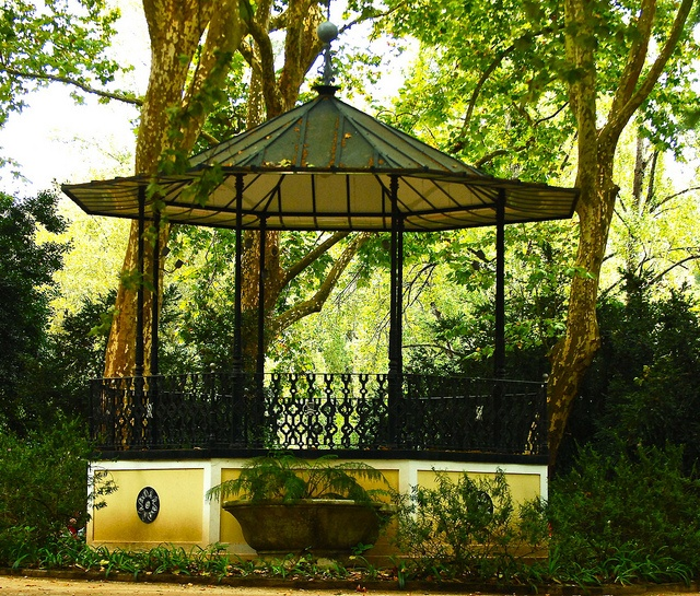 Bandstand in D. Carlos park, Caldas da Rainha by pedrosimoes7, via Flickr
