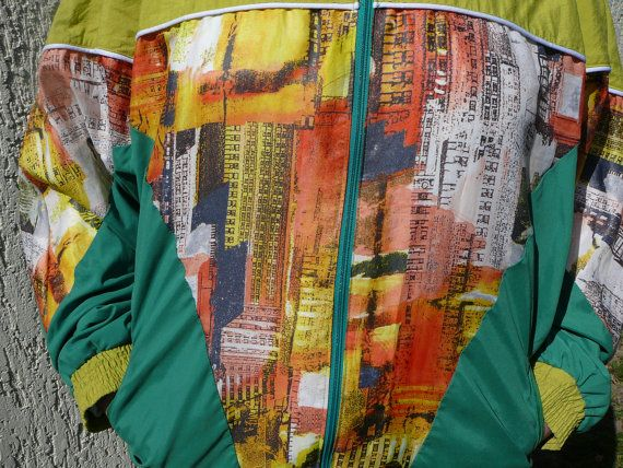 Vintage Windbreaker Active Wear Jacket Size Large An absolutely 80s/90s find of outstanding quality, material, and design. This set is made from a