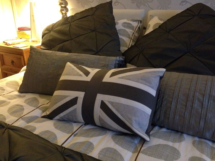 #londonsky cushion looking gorgeous in one of our fav customers bedroom
