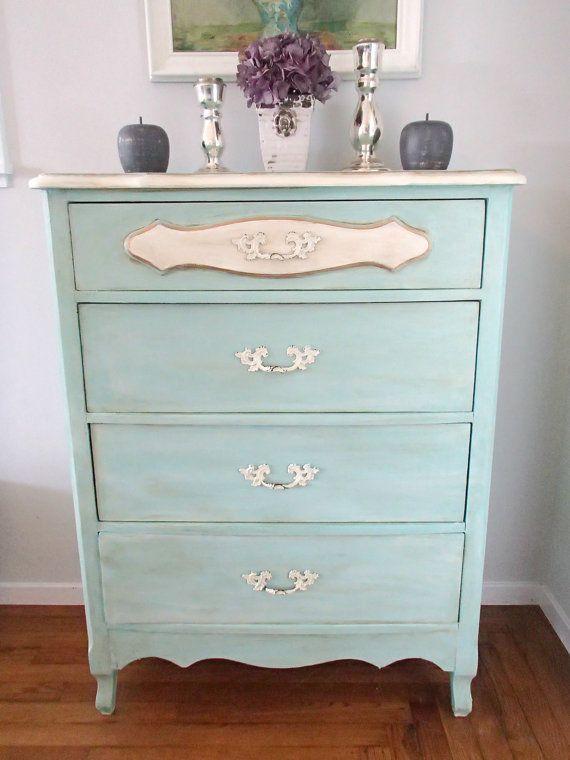Blue French Provincial Dresser por DDsCottageandDesign en Etsy, $250.00