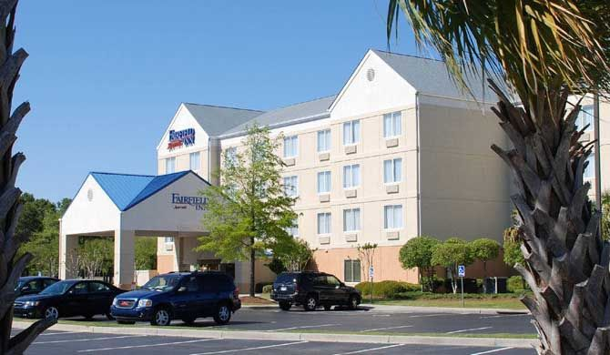 Fairfield Inn Myrtle Beach Broadway at the Beach Located in the heart of Myrtle Beach, only 1 mile from the ocean, Fairfield Inn Myrtle Beach Broadway at the Beach offers an incredible location for fun vacations or weekend getaways with family or... #Apartment #Hotel  #Travel #Backpackers #Accommodation #Budget