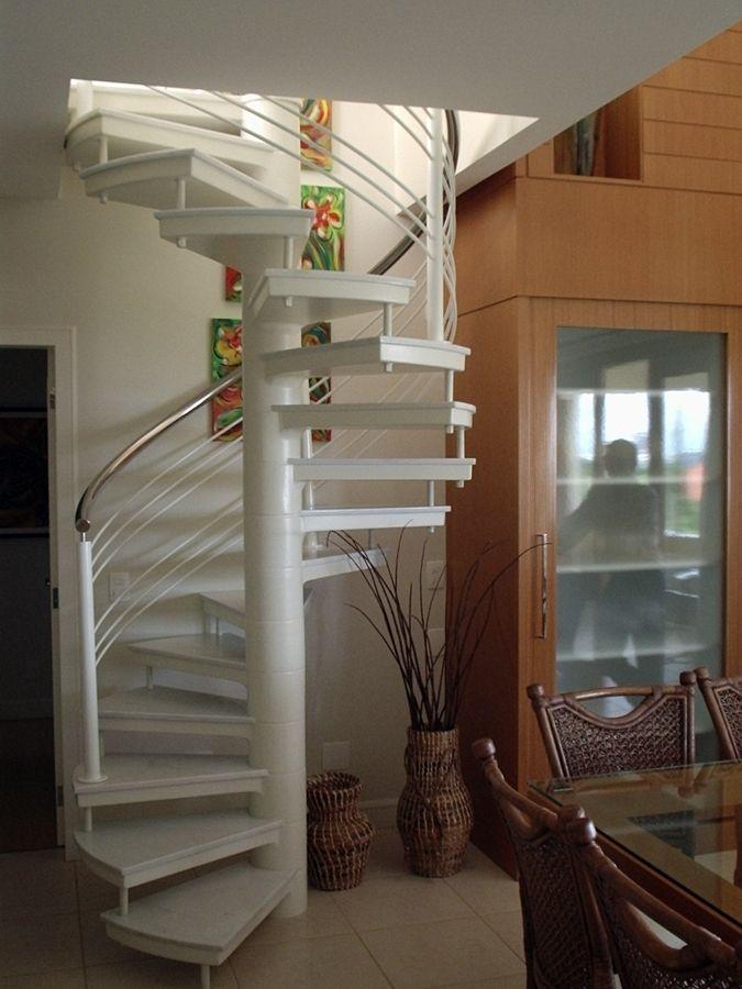 escada caracol branca
