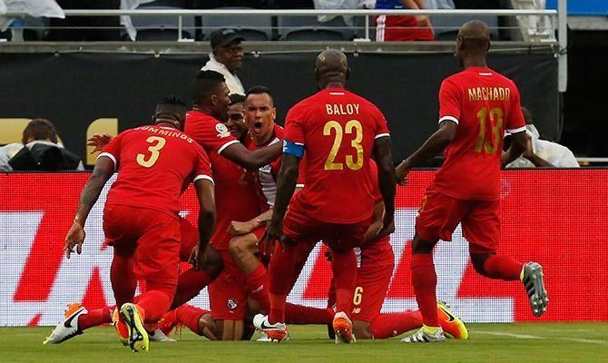 La noche de Blas  http://futbolcentroamerica.com/3730/video-goles-panama-bolivia-copa-america-2016