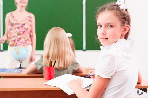Se chiedessimo agli insegnati di descrivere un bambino con ADHD dirà: non sta fermo un attimo, disturba la classe, non finisce i compiti ed ha difficoltà