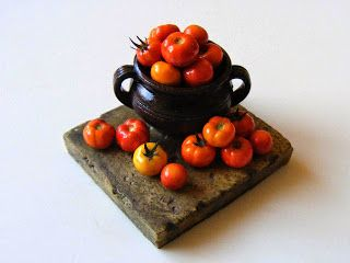 My tiny world: Miniature tomatoes - look good enough to eat! In 1/12 scale.