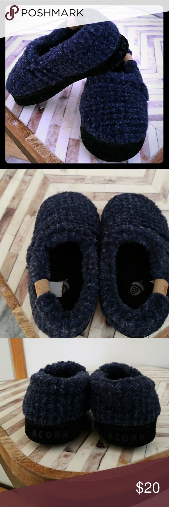 Acorn Slippers (Navy blue) toddler New with out tags kids/infents navy blue colored slippers. Never worn, only tiered on for Christmas. True to size for toddler boys size 8-9. From pet free, smoke free home. Acorn Shoes Slippers