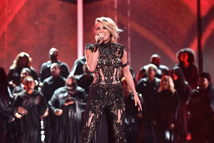 CMT Music Awards 2016 | CARRIE UNDERWOOD Performs at 2016 CMT Music Awards in Nashville 06/08/2016 - HawtCelebs - HawtCelebs