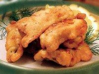 """Рыба в тесте готовится совершенно разными способами, из разных сортов рыбы и видов теста, постного, дрожжевого, слоёного, фило. Разные сочетания дадут как блюдо для ежедневного потребления, так и изумительные """"парадно статусные"""" пироги для особо торжественных случаев."""