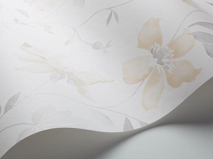 Arjen kauneudesta ammentavassa Everyday Life -tapettimallistossa nähdään akvarellimaisia kukkia ja köynnöksiä, denim-kuoseja, graafista leikittelyä ja art deco -vaikutteita.  #Boråstapeter #Everydaylife #tapetti #Värisilmä