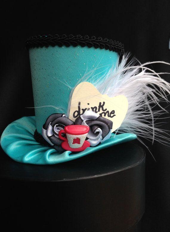 Alice au pays des merveilles d'inspiration Mini par daisyleedesign                                                                                                                                                                                 Plus