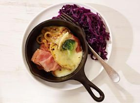 Raclette de Compton au poivre with beer-braised red cabbage #simplepleasures #CDNcheese