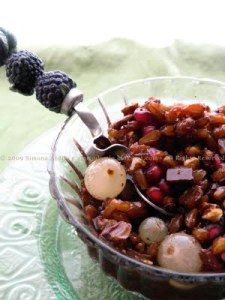 La colva, dolce tipico pugliese per il 1° novembre: grano, cioccolato, noci, mandorle, uva, vin cotto, melograno, cannella.