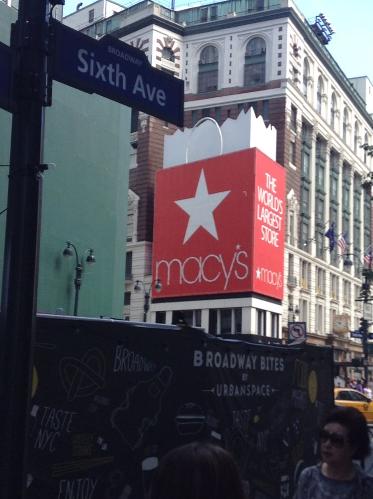 Macys ..the world largest store #NYC  ©ArianeRobichaud