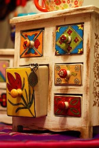 Regalo Original - Muebles De Madera Y Cajones En Ceramica!!