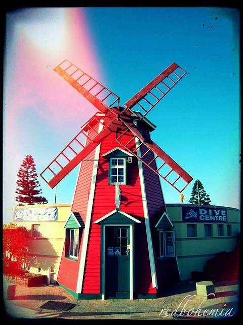 The Red Windmill, a well known Port Elizabeth landmark. It use to be a roadhouse and when it had to make way for new restaurants, the windmill was incorporated in the Dive Centre on the same site.