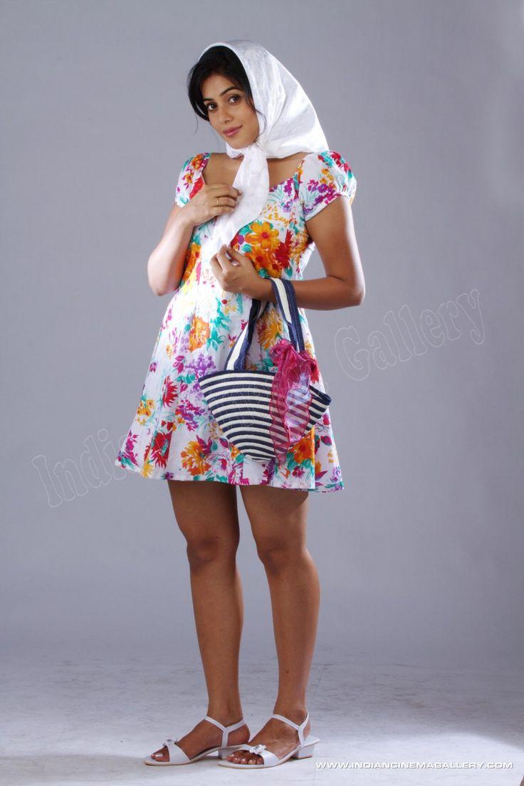 Actress-Poorna-2012-stills-(69)