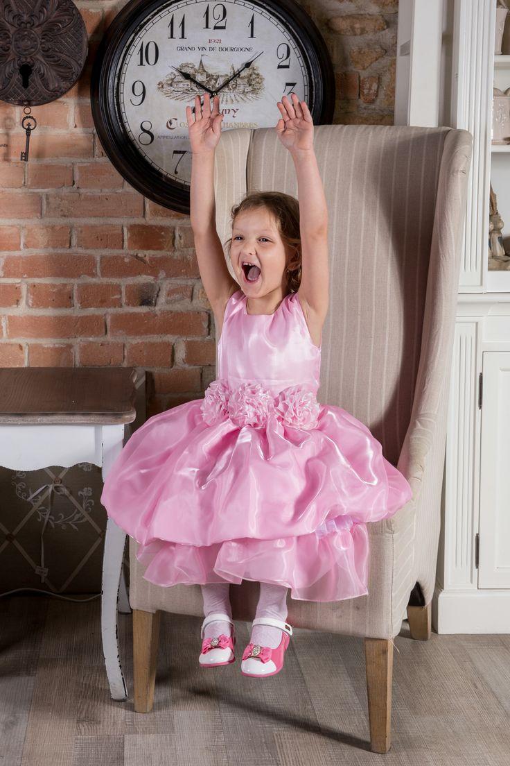Sukienka Eliza  więcej na https://www.facebook.com/sukienkitiulitafta?fref=ts