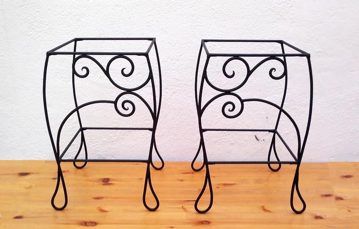 Mesillas de forja http://virginiart.es diseños originales que decoraran cualquier dormitorio. Visítanos en http://virginiart.es ,diseñamos y realizamos muebles en forja y metal.