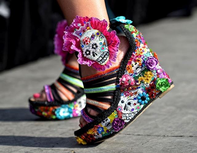 fiesta san antonio!  Fashion statements abound!