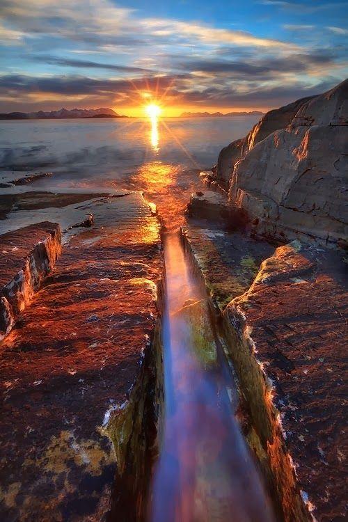 Crackling Eclipse, Norway