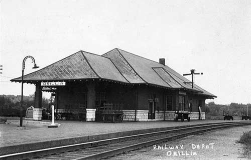 ORILLIA, Ontario - Union Station ( CNR & CPR) c1950   -  Regency Style architecture  OL