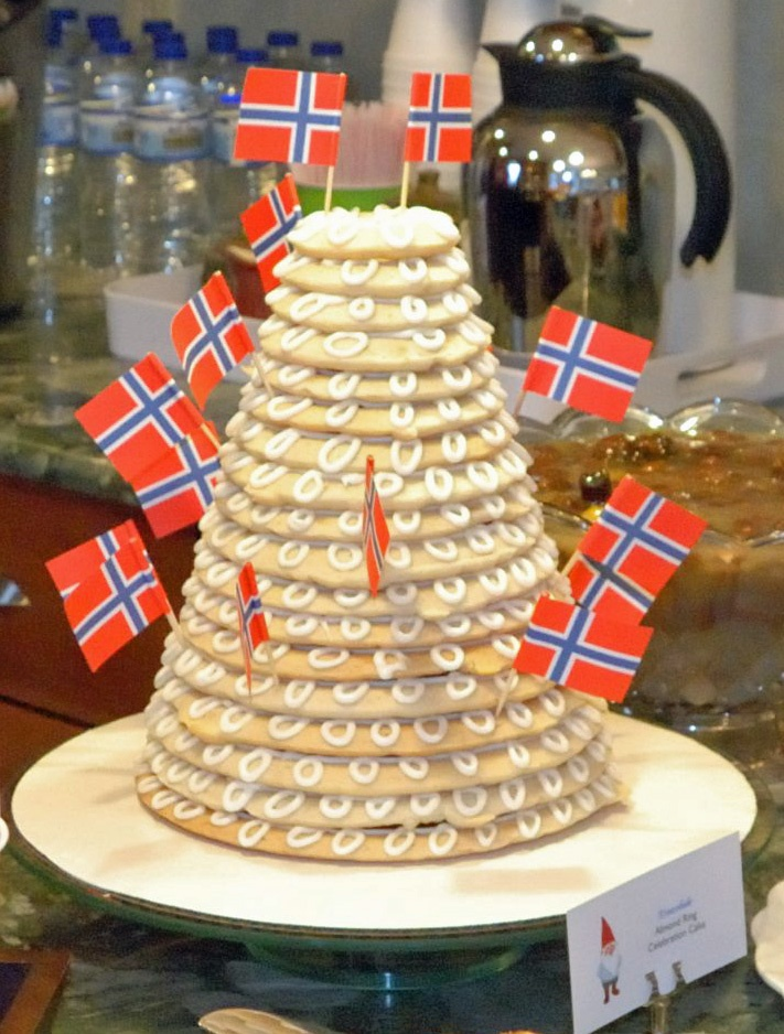 norwegian wedding cake pans 17 images about kransekake on pecan pies 17928