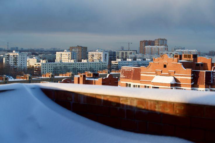 ЗИМА НА ТЕРРАСЕ. PH: Ирина Майсова (Irina Maysova) #терраса #Москва #зима #мороз #накрыше #пейзаж #городскойпейзаж #фотографиринамайсова #photomira