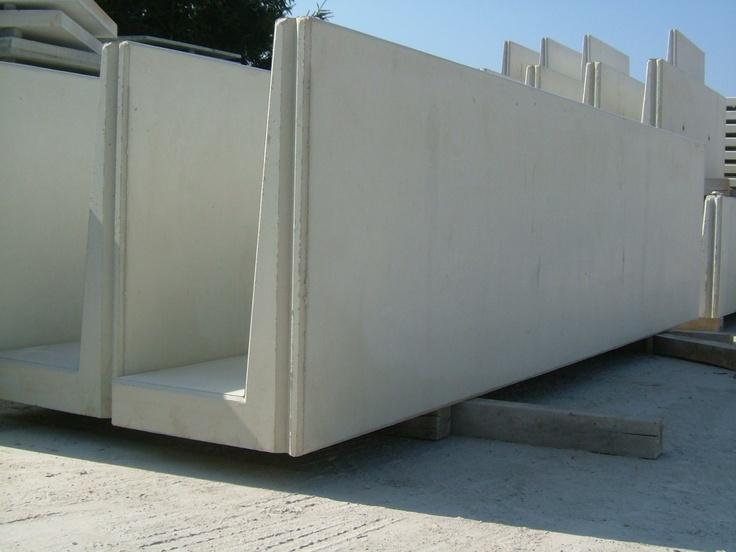 Betonnen keerwand 100 cm hoog en 400 cm lang
