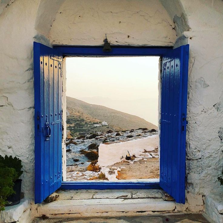 Sikinos island (Σίκινος). Adorable White & Blue !!
