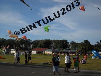 Borneo International Kite Festival 2013. Mehul Pathak and Kite Club india represent India At Bintulu International Kite Festival. http://www.kiteclubindia.in/borneo-international-kite-festival.html http://www.indiakiteclub.com http://www.vibrantkiteclub.com