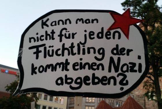 kann man nicht f r jeden fl chtling der kommt einen nazi abgeben no racism no homophobia. Black Bedroom Furniture Sets. Home Design Ideas