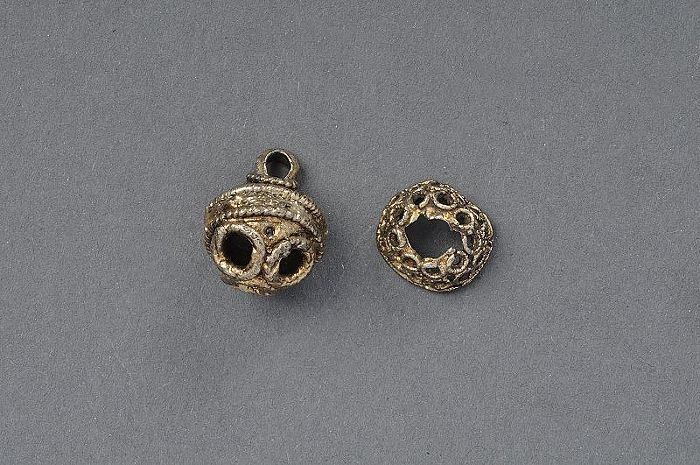 Button, silver Burs, Gotland, Sweden  1250-1350