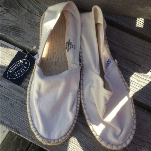 Listing! Steve Madden Slip-ons  Look like Toms! Casual and comfortable!! Steve Madden Shoes Flats & Loafers