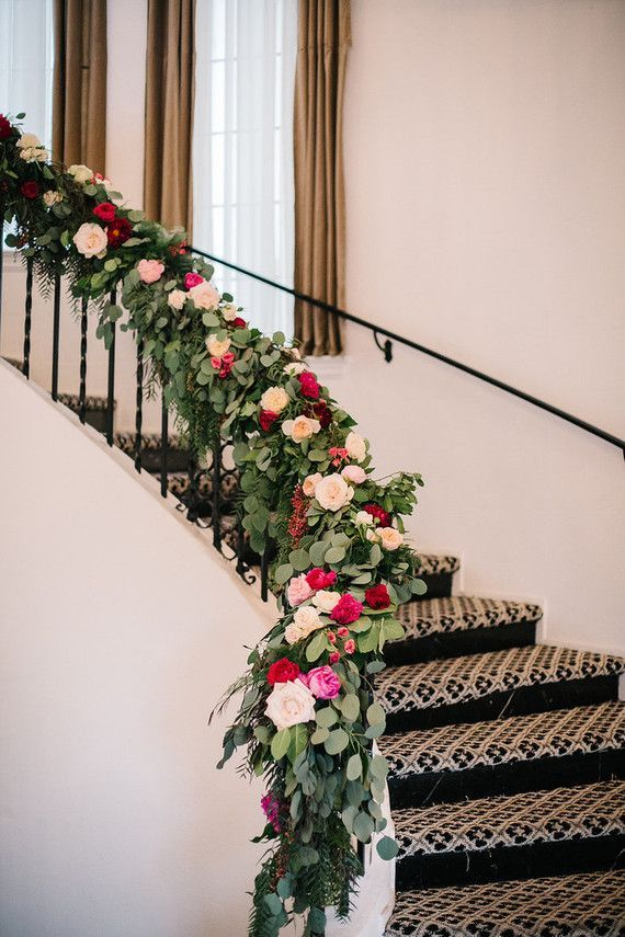 wedding staircase decorations 1000 images about wedding staircases decor on 1163