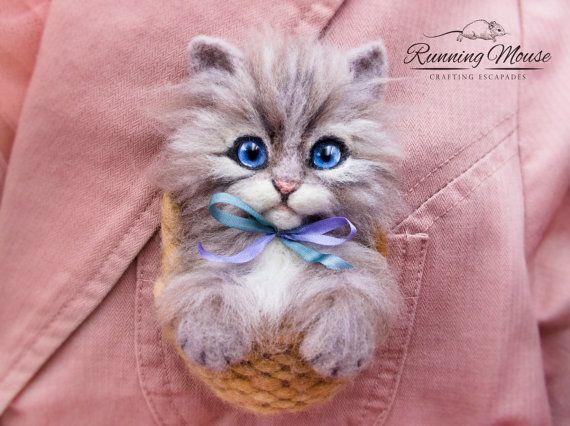 Needle felted cat brooch. OOAK cat brooch. Cute by RunningMouse