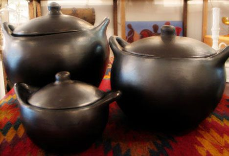 Holiday Gift Guide: For the Foodie : TreeHugger- La Chamba Pots- handmade unglazed oven and top-of-stove cookware, a 700 year old tradition.