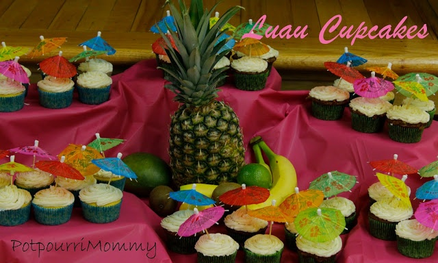Potpourrimommy: Luau Party cupcakes